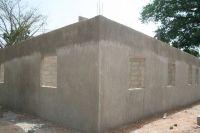 Construïdes les parets lateral dreta i posterior